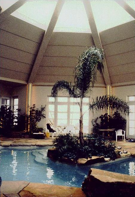 {Pool in Raynault residence}
